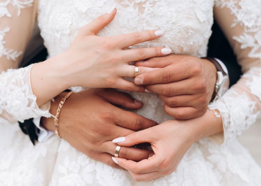 llevar anillos boda al altar