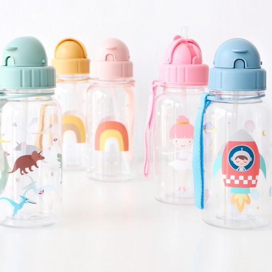 botella plastico con pajita