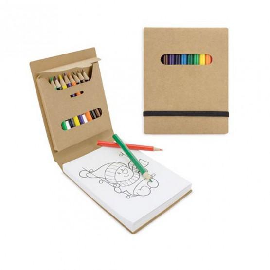 libreta con lapices de colores