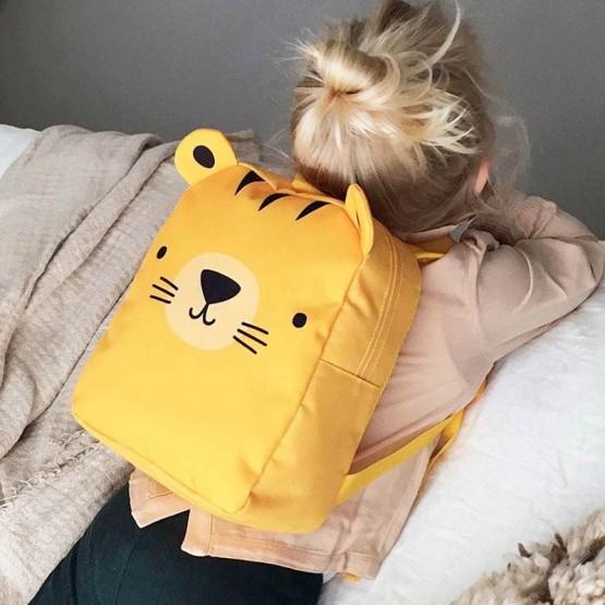 mochila para la guarde tigre